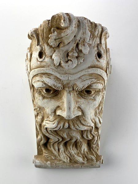 King Face Wavy Beard Corbel