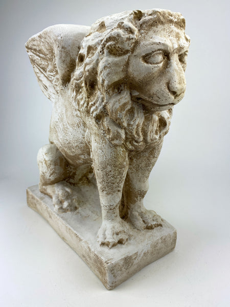 "16"" Rare Gothic Winged Lion Pedestal"