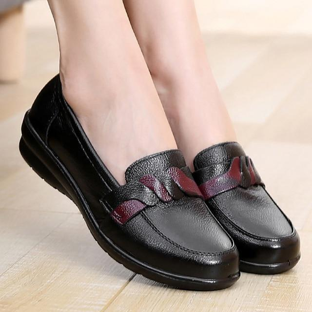 Flats Genuine Leather Solid Cross-Tied Round toe Shoe for Ladies