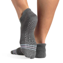Load image into Gallery viewer, Pointe Studio Mandy Grip Socks