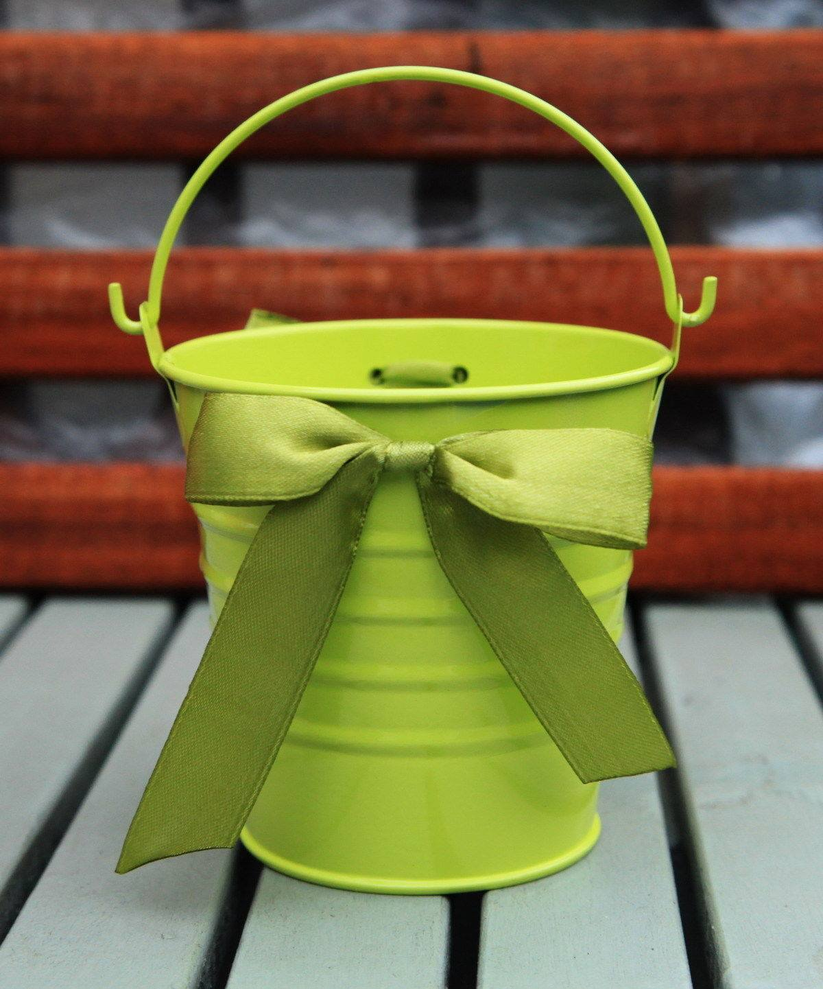 Metal tin bucket pail with ribbons for Metal art craft supplies