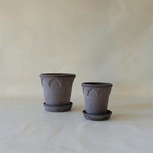 Elizabeth Planter Grey