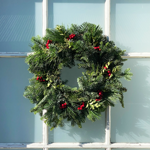 Multicone & Red Berry Wreath 14""