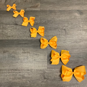 Yellow Gold Basic Essential Bow