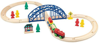 WOODEN FIGURE 8 TRAIN SET 35PC