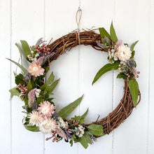 Load image into Gallery viewer, Handmade Dried Flower Wreath 30cm