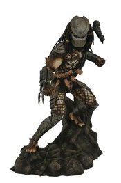 PREDATOR GALLERY CLASSIC MOVIE PVC FIGURE DIAMOND SELECT