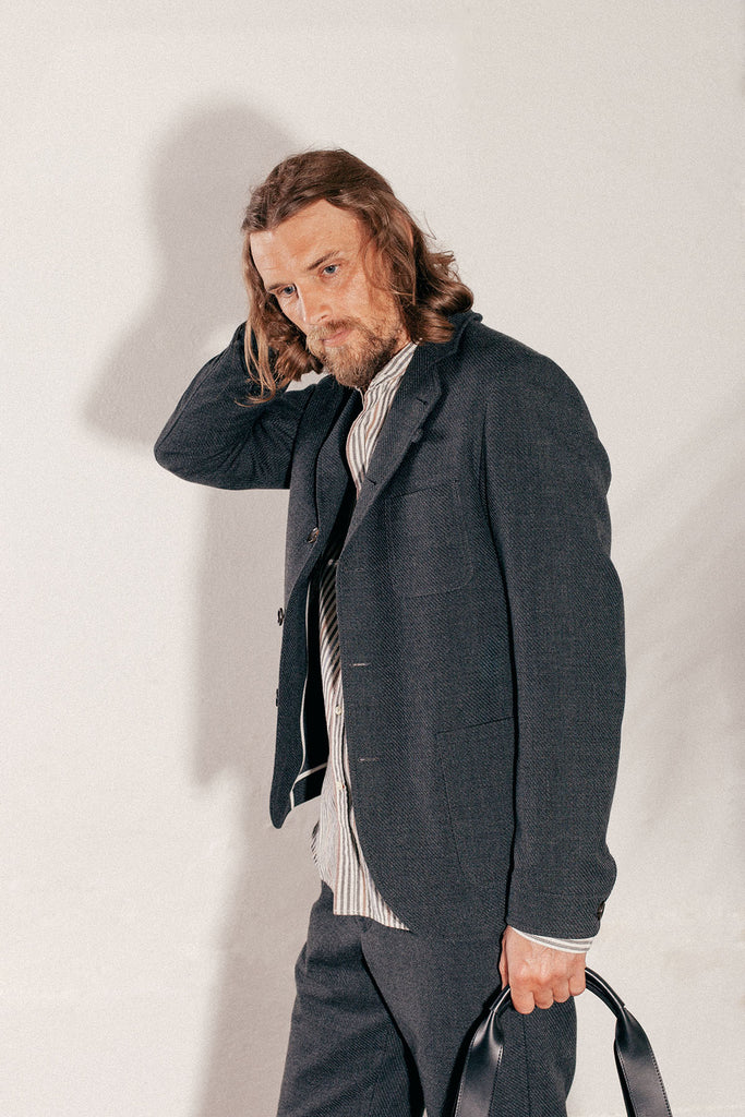 SOLMS JACKET BUTTRESS CHARCOAL