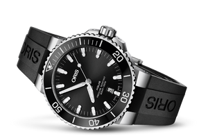 Oris Stainless Steel Aquis Date Watch (43.5 mm)