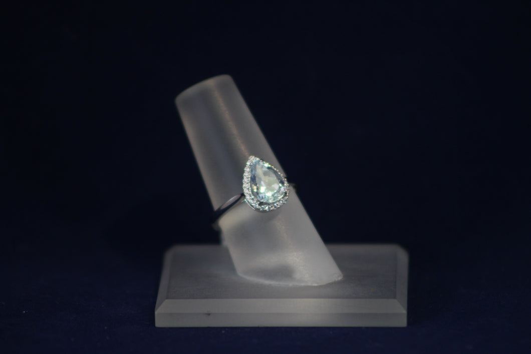 14k White Gold Pear Shaped Aquamarine and Diamond Ring