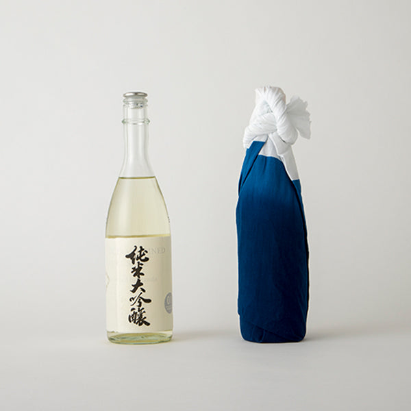 <h1>Ultra Refined Pure Sake</h1><br><h2>produced by kanda</h2>