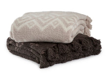 Load image into Gallery viewer, Barefoot Dreams the CozyChic Topanga Blanket