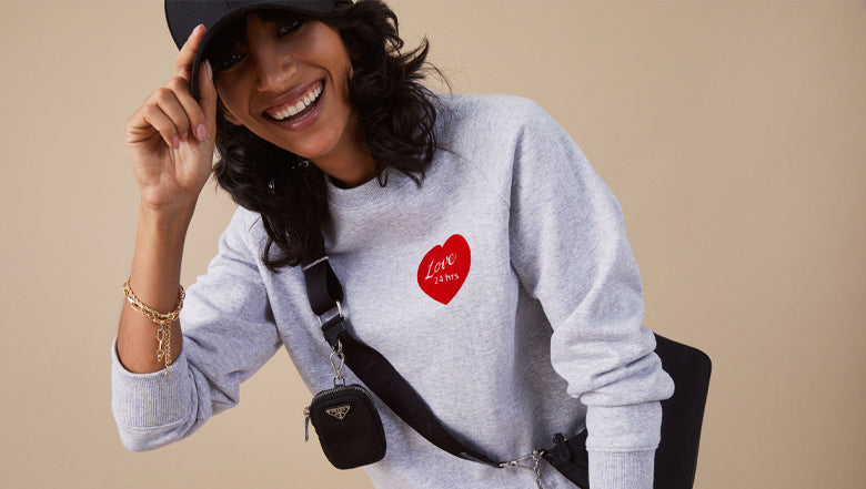Heart Pullover with bag