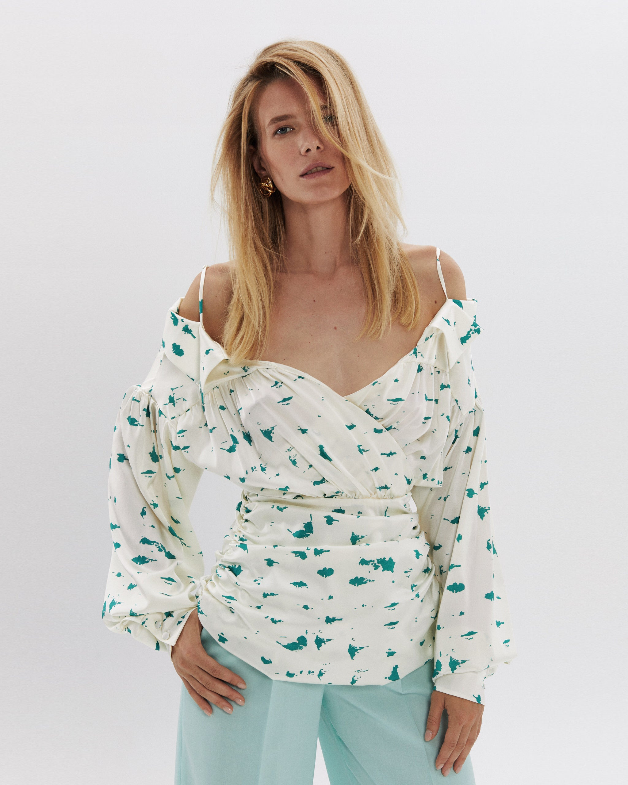 Silk blouse with open shoulders print birch bark