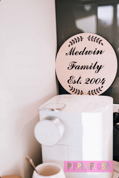Personalised Family Sign Round (Elegant) 235mm