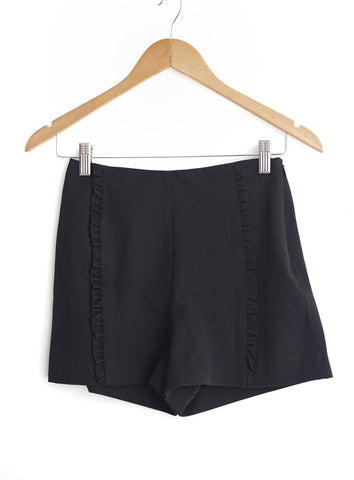 Short negro highwaisted corrugado