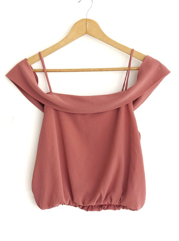 Blusa magenta off-shoulder