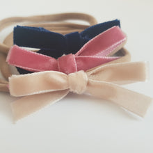 Load image into Gallery viewer, Trio of Beautiful Thin Bows.