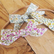 Load image into Gallery viewer, Floral Pigtail Bows