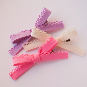 A Trio of Thin Bows with a Detailed Edge