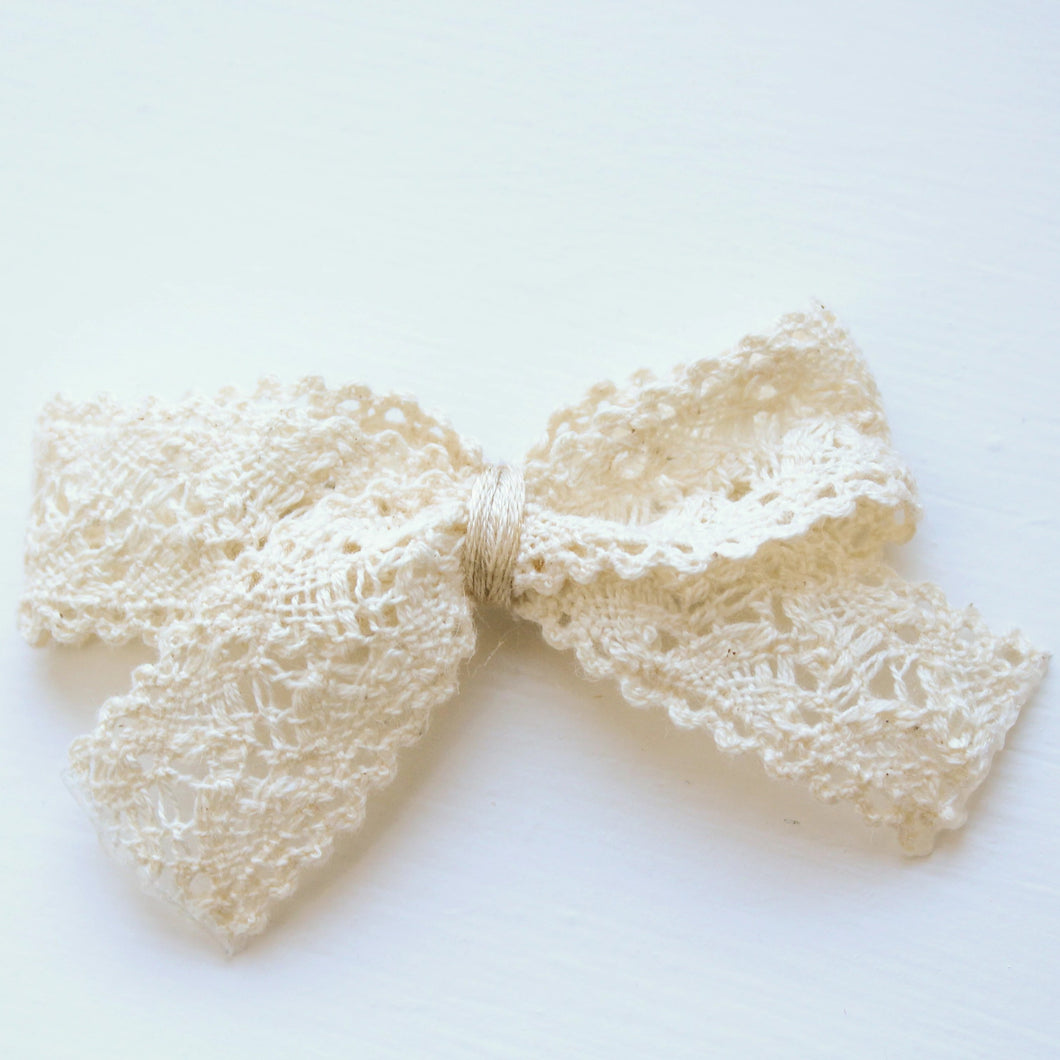 Crochet Ribbon Bow