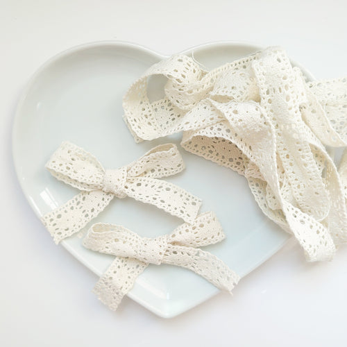 Vintage crochet ribbon bow