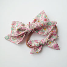 Load image into Gallery viewer, Liberty of London Hand-tied Bows