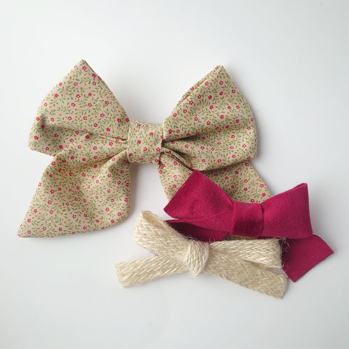 Apple. A Trio of Elegant Bows (pinwheel)