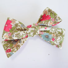 Load image into Gallery viewer, Autumn Floral Bow