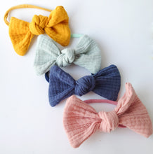 Load image into Gallery viewer, Beautiful Set of Oversized Knot Bows