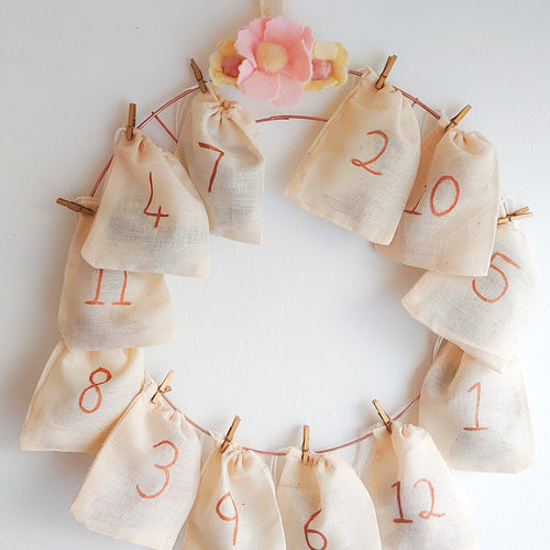 12 Hair Accessories Christmas Advent Calendar Wreath