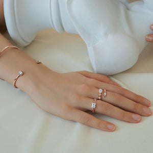 JACQUE SQ CHAIN RING