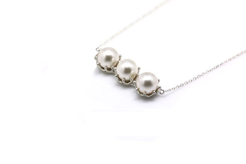 3 PEARL BAR NECKLACE
