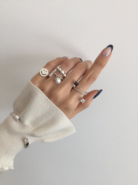 'Z' LINE SQUARE STONE PAVE RING