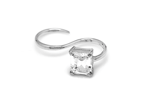 'S' LINE SQUARE STONE RING