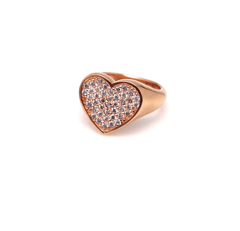 J'ADORE HEAR PAVE SIGNET RING