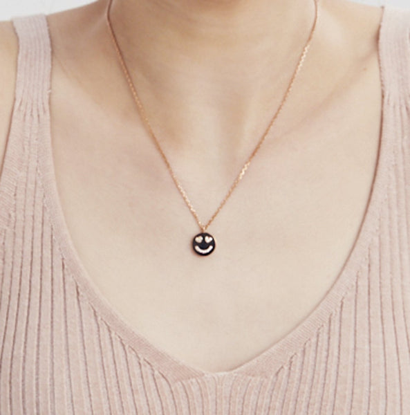 SMALL SMILE HEART EYED NECKLACE