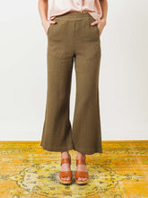 Load image into Gallery viewer, Army Wide Leg Pant (Size 3)