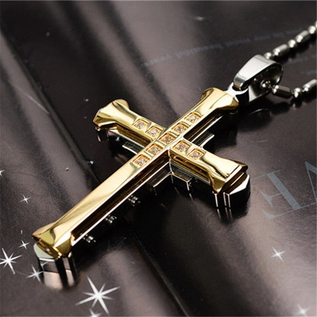 New Hot Sale Necklace for Men Jesus Crystal Cross Pendant Necklace Gold Silver and Black Cross Necklace Fashion Jewelry