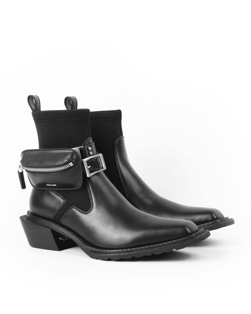 Untitlab™ #13 Hitch Boots (Matt Black with Bag)