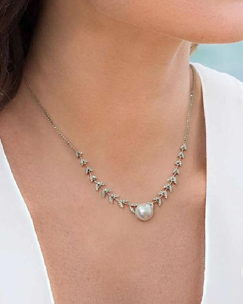 Apm Monaco Collection Couture Adjustable Petals And Pearl Necklace - Silver