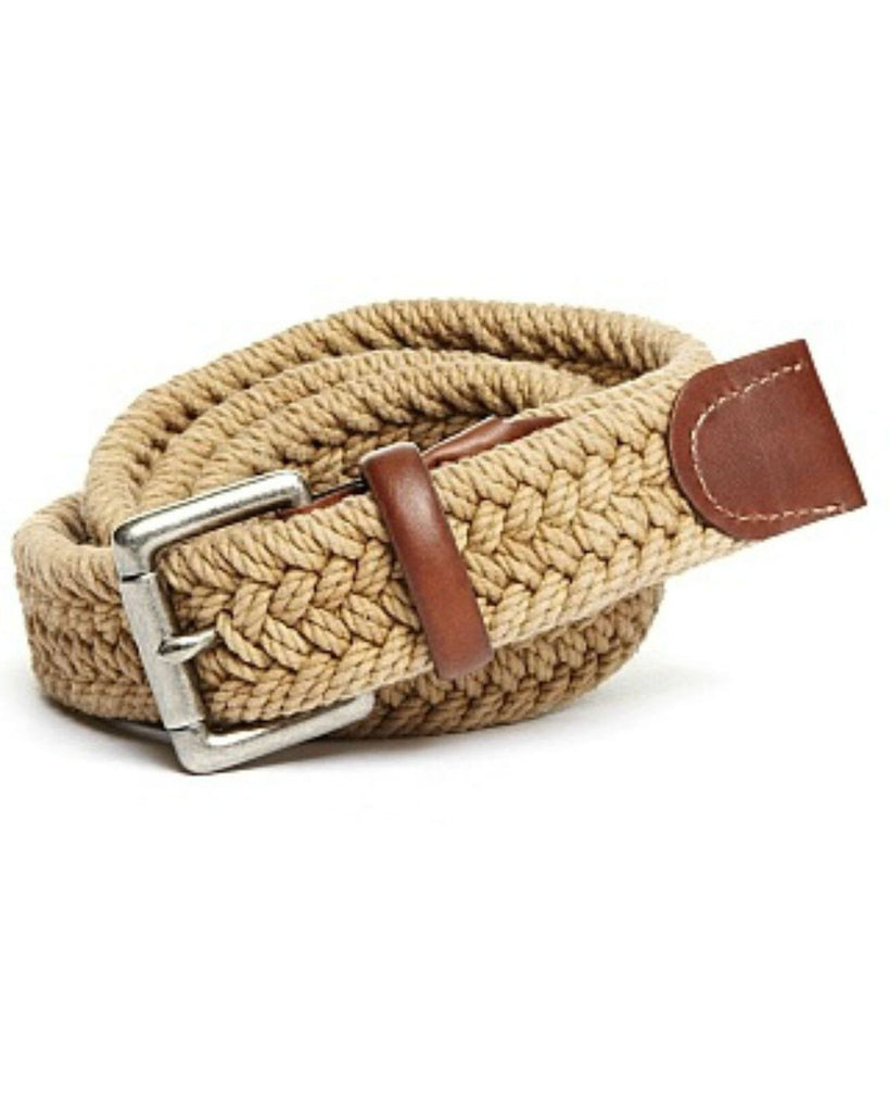 Woven belts for men are versatile and fashionable. They make a great golf belt and go well with khakis. These braided stretch belts come in many styles and colors. Many are made from elastic and have a laced or weaved pattern.
