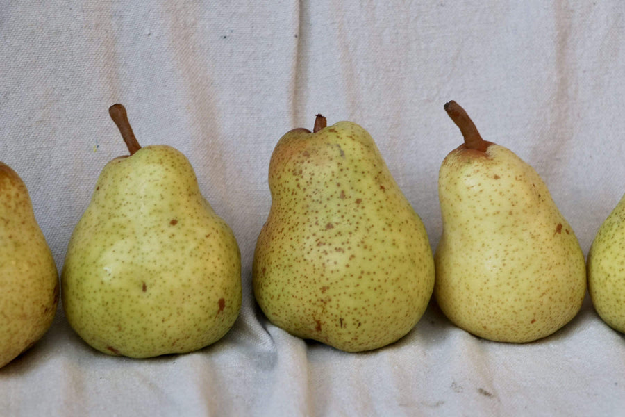 Organic Bartlett Pear, 1 unit from K & J Orchards - San Francisco Farmers Market Delivery