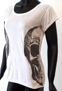 WOMANS - TEE - WHITE - SMALL - SKULL BRAND