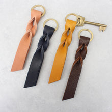 Load image into Gallery viewer, Large Leather Twist Keyring