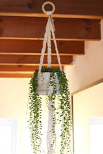 Load image into Gallery viewer, DIY kit Macrame Plant Hanger craft kit for beginners