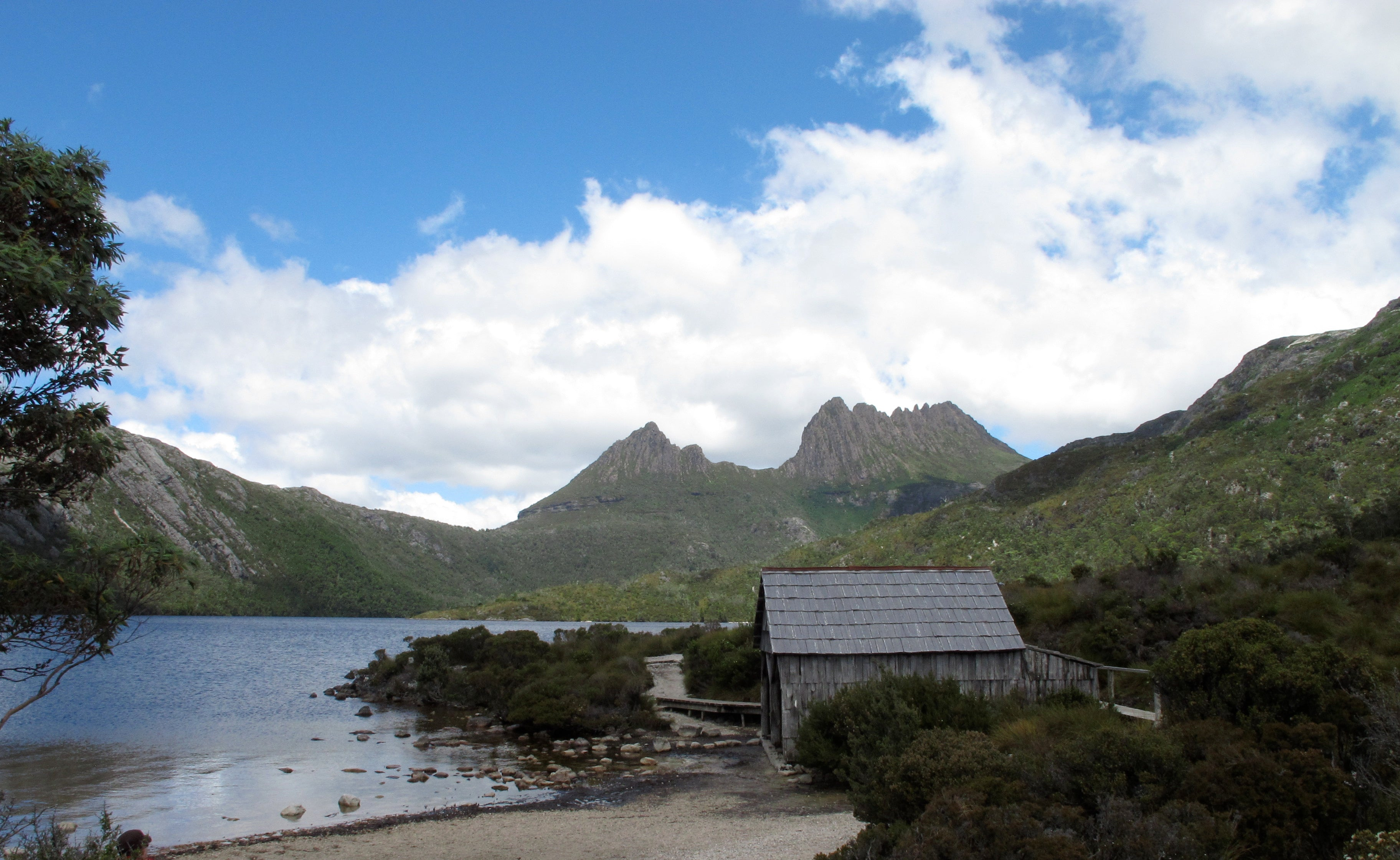 Dove Lake walk with Cradle Mountain in rear