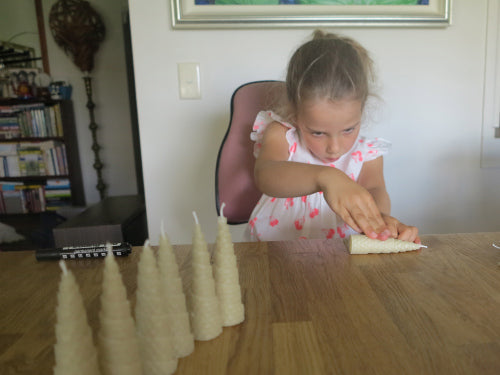 Beeswax Christmas Tree candle rolling instructions for 6 year olds
