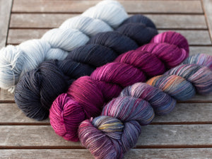 TAMY GORE COLOUR CANVAS SHAWL COMBINATIONS