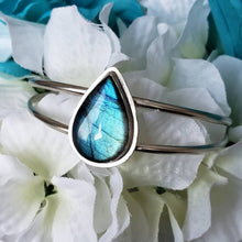 Load image into Gallery viewer, Aqua Dream Cuff Bracelet